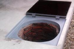 Металлическая крышка для скважины